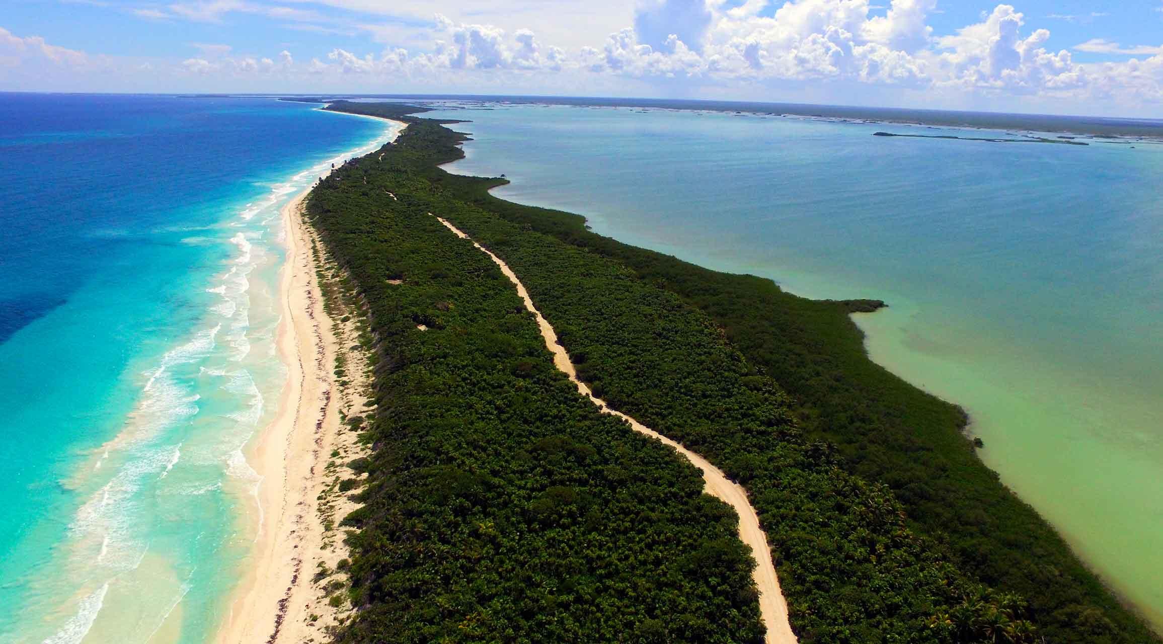 Sian Ka'an posee algunas de las playas de México que parecen piscina.